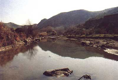 Silueta Cerro de los Toros sobre el río Genil